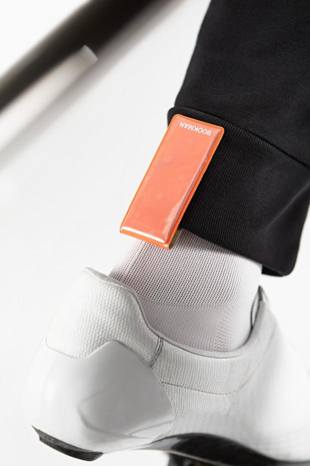 ClipOn_Orange_On_trousers
